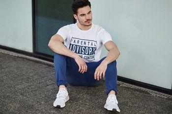 Stylizace č. 441 - tričko s potiskem, chino kalhoty