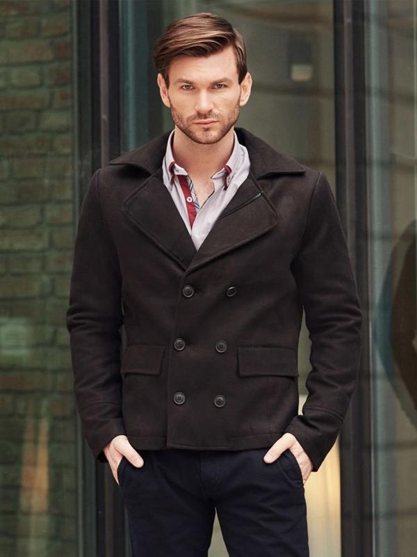 Stylizace č. 394 - krátký pánský kabát, elegantní košile, chino kalhoty