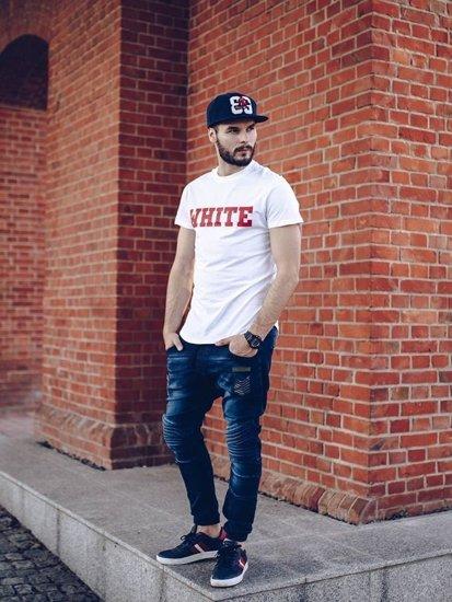 Stylizace č. 259 - kšiltovka, hodinky, tričko s potiskem, džínové jogger kalhoty, obuv