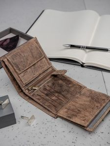 Pánská hnědá kožená peněženka 3202