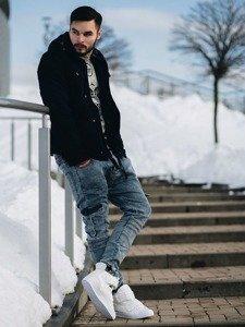 Stylizace č. 124 - zimní bunda, mikina s potiskem, jogger kalhoty, obuv